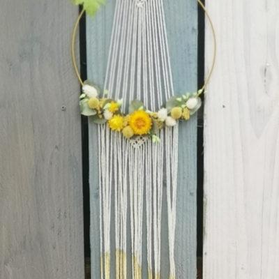 fleurs séchées en couronne