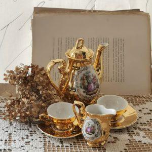 Service à café doré vintage